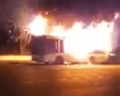ВСочи зажегся пассажирский автобус