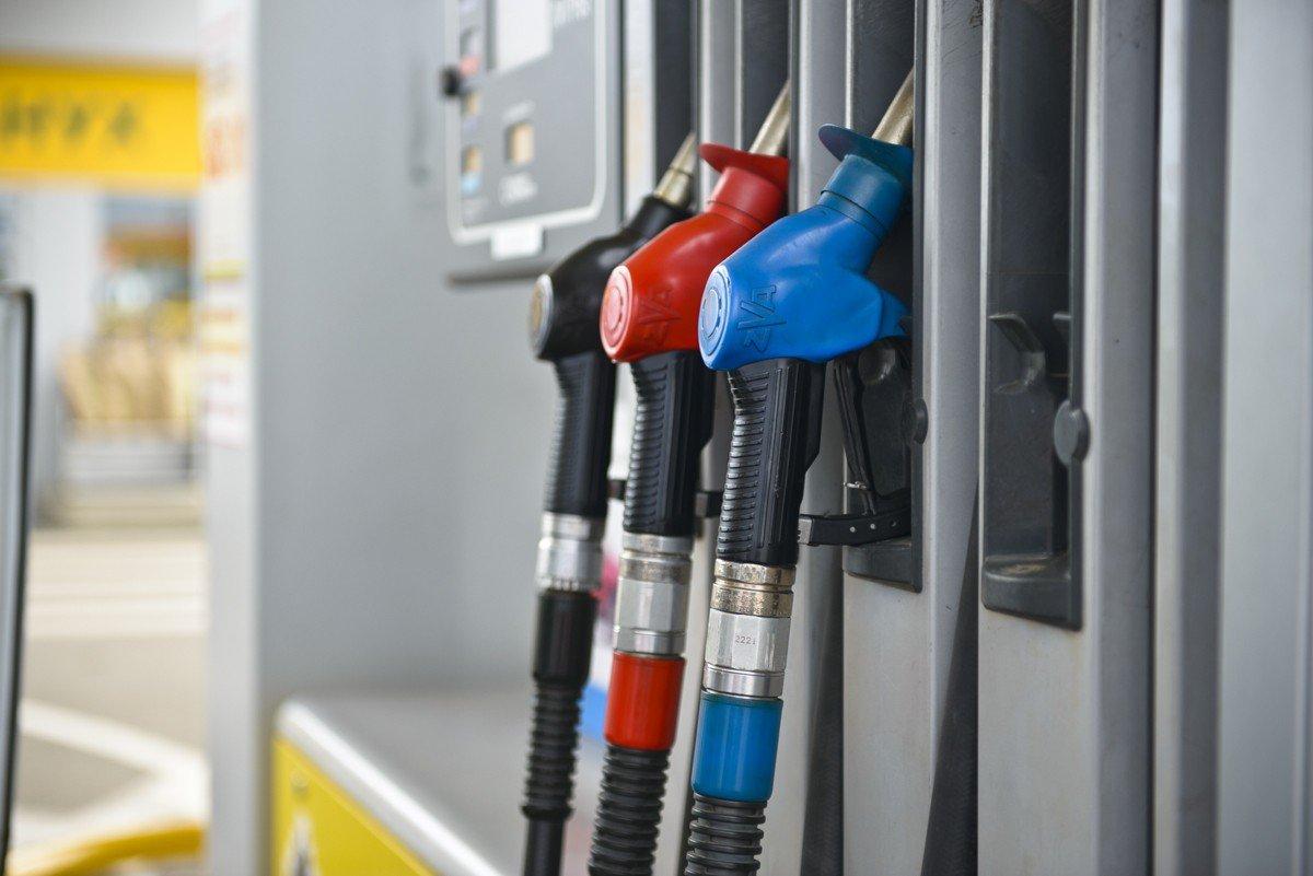 Государственная дума приняла закон обоборотных штрафах за реализацию контрафактного топлива