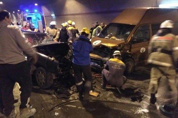 ВСочи в итоге трагедии заблокировано движение натрассе Джубга-Сочи
