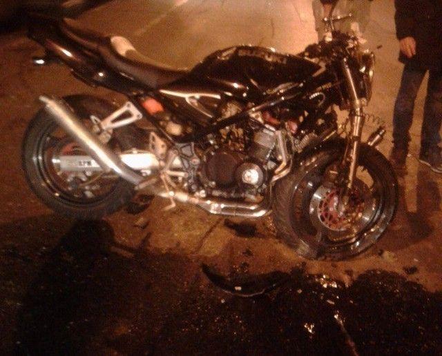 ВКраснодаре умер  мотоциклист, в3.40 ночи неразъехавшись сВАЗ