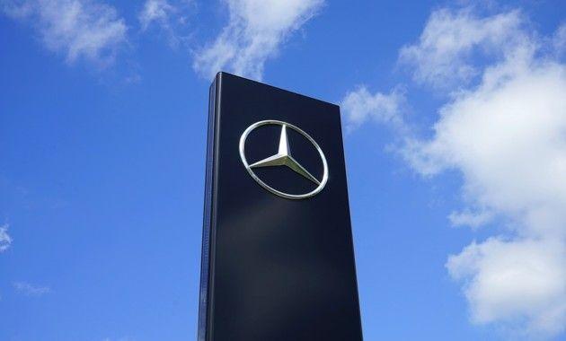Daimler отзовет 1 млн Mercedes-Benz из-за опасности возгорания стартеров