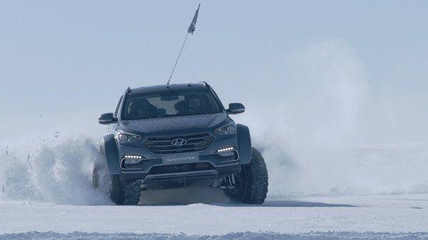 Хюндай Santa Feстал первым легковым авто, пересекшим Антарктиду