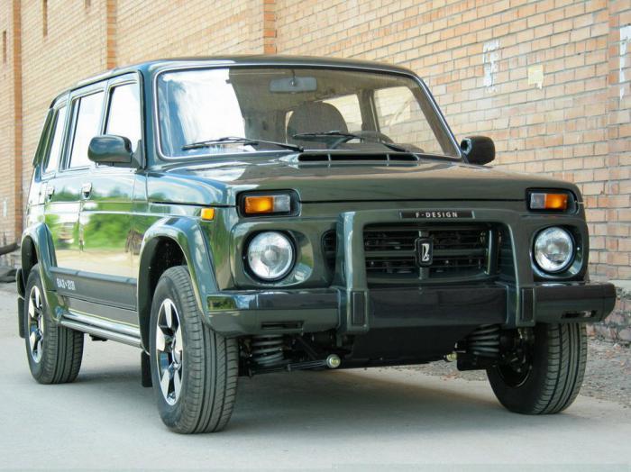 На рынок автомобилей Германии зашла пятидверная версия Лада 4x4
