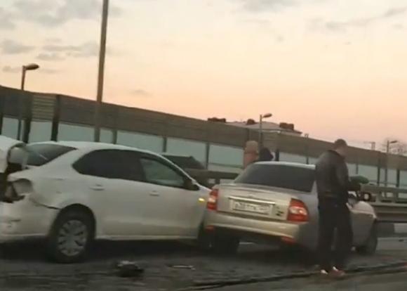Насочинской трассе в трагедии попали как минимум 5-ти машин