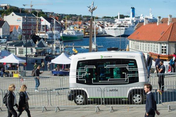 ВНорвегии собираются выпустить наулицы тихоходные беспилотные автобусы