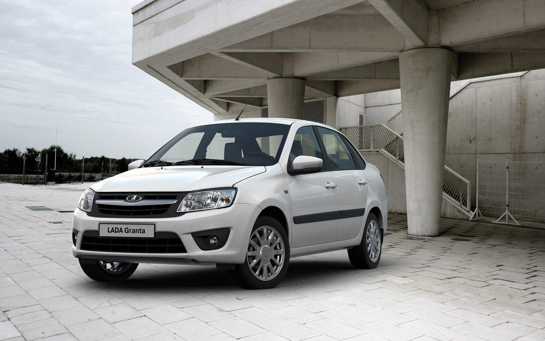Летом на19% увеличились продажи авто в РФ