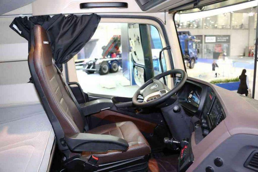 В сети появились первые фотографии предсерийного образца КАМАЗа с кабиной К5