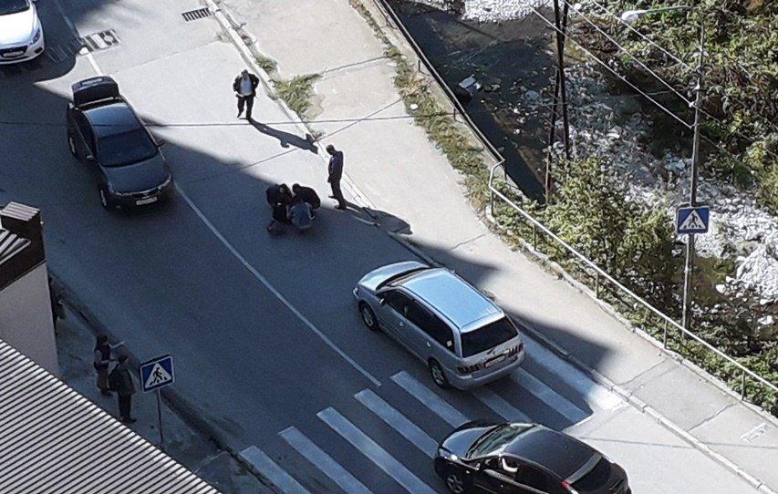 ВТуапсе иностранная машина  сбила ребенка напешеходном переходе