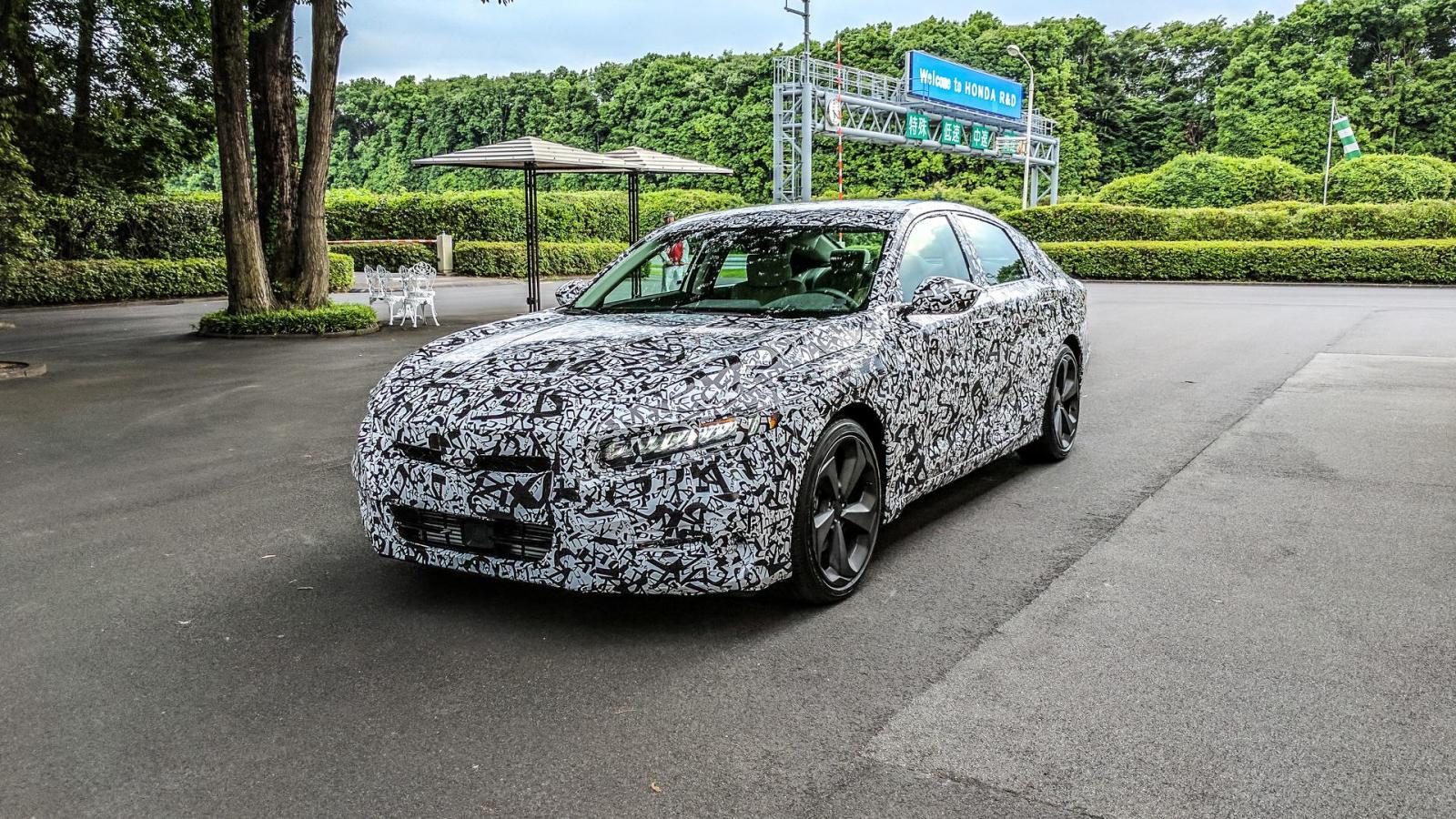 Хонда  показала  первые изображения седана Accord десятого поколения— Гордость японского автопрома
