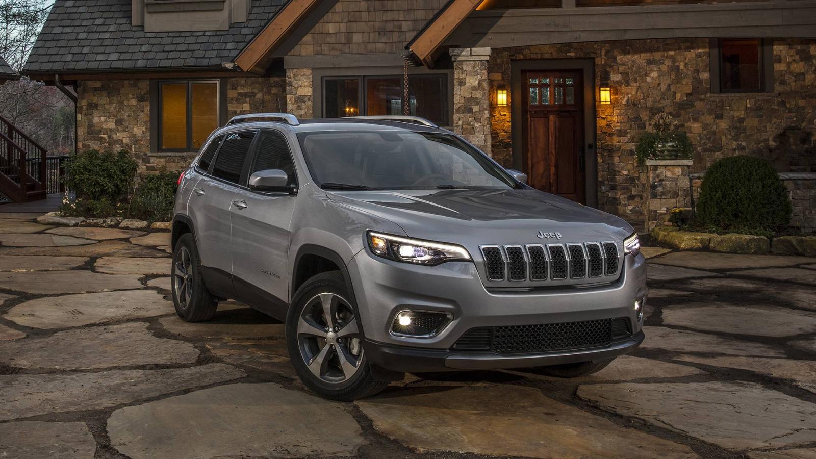 Jeep обновил Cherokee— онбольше нетакой уродливый