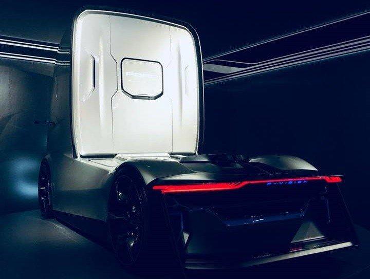 Форд представил электрический грузовой автомобиль савтопилотом
