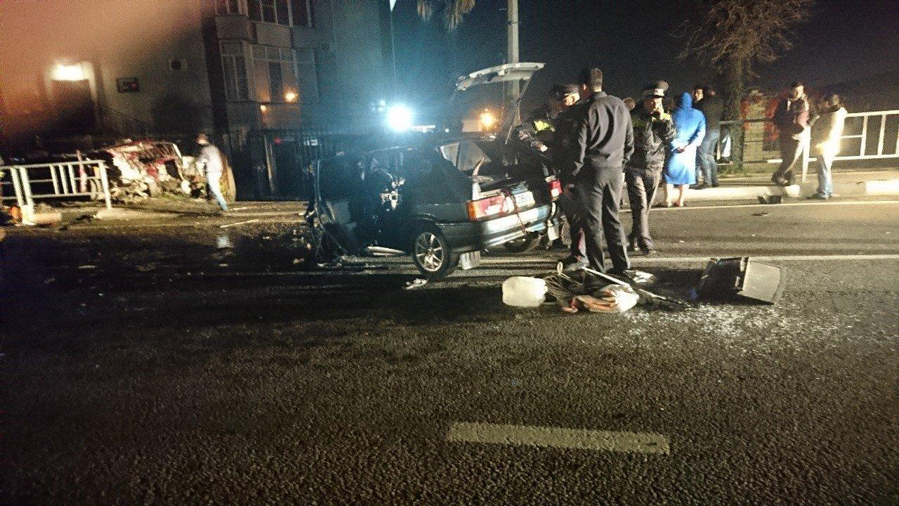 Вжестком ДТП вСочи умер шофёр «шестерки»