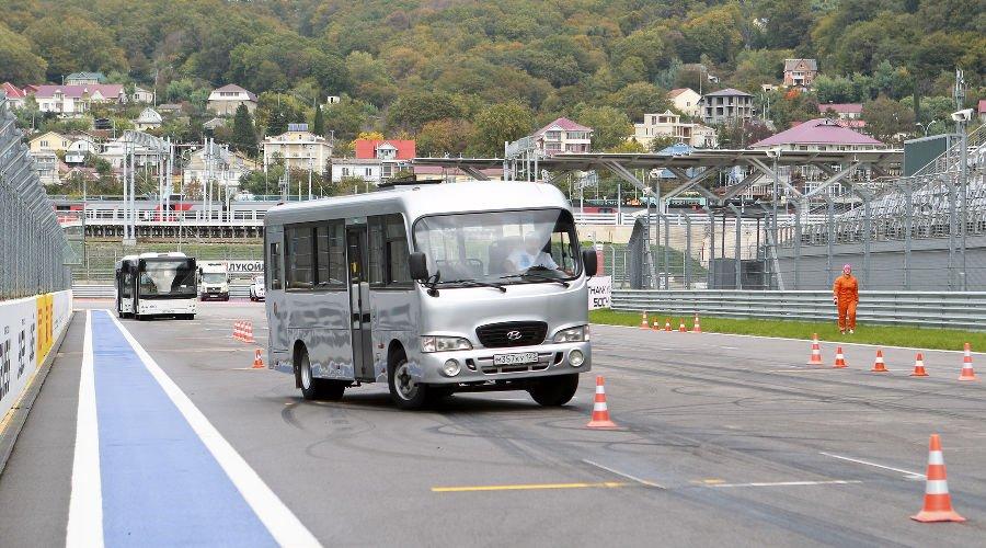 ВСочи натрассе «Формулы-1» будут состязаться автобусы