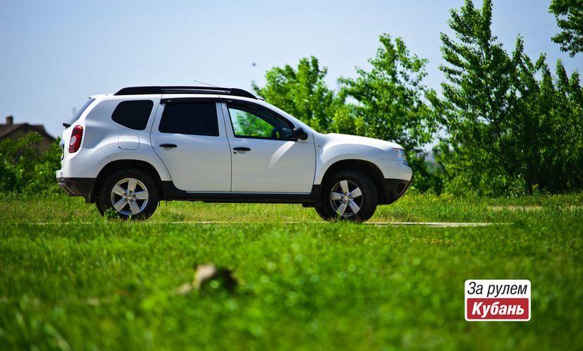 Renault Duster лидирует среди кроссоверов и внедорожников в апреле