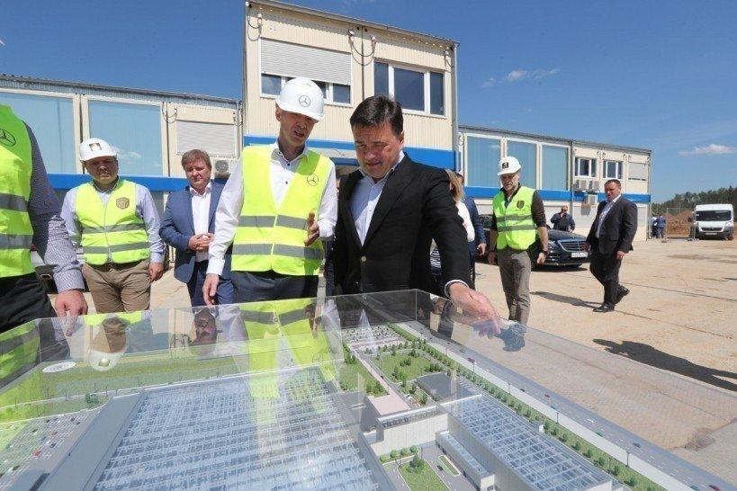 Воробьев пообещал подарить 1-ый Mercedes сподмосковного завода «самому заслуженному человеку» региона