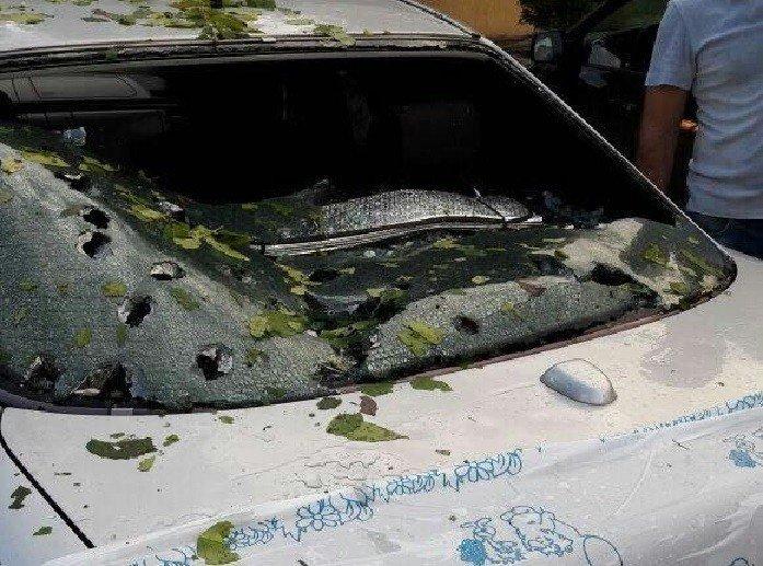 Град вМайкопе сломал автомобили