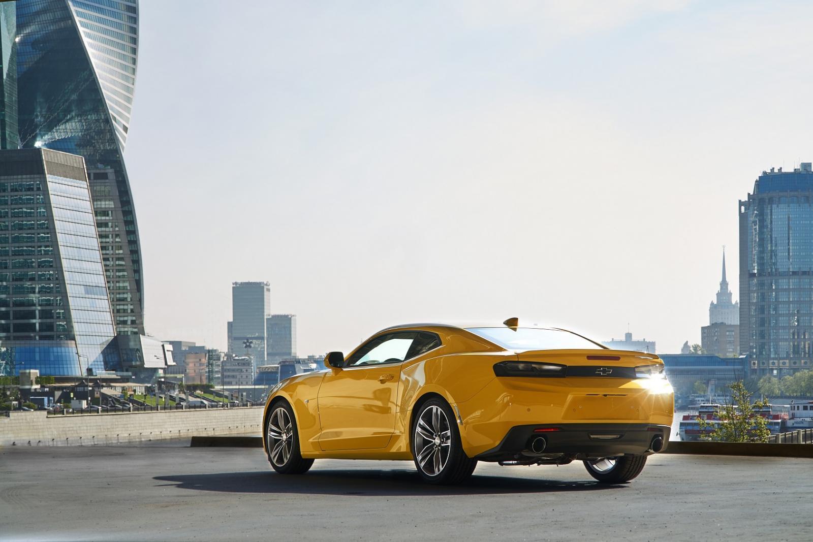 Шевроле привез в Российскую Федерацию купе Camaro из«Трансформеров»