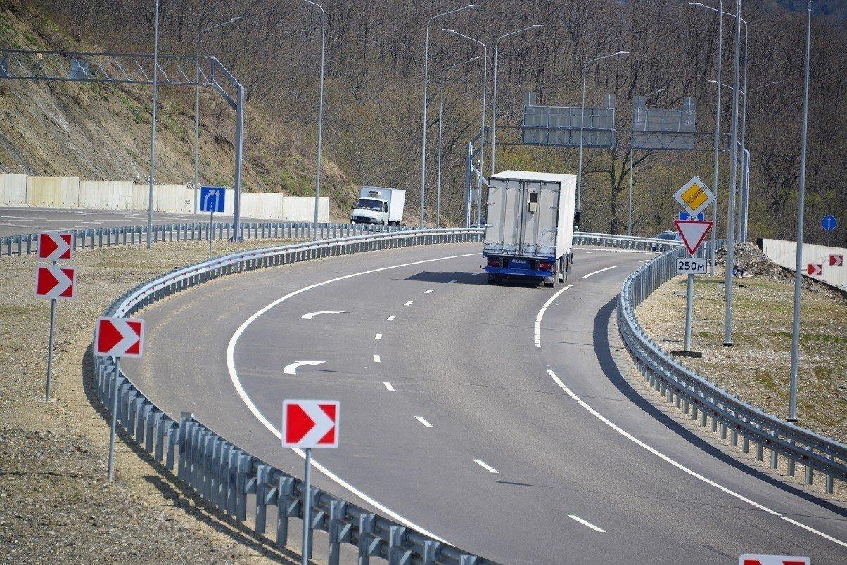 Участок дороги М4 «Дон» отБатайска доКубани будет платным осенью