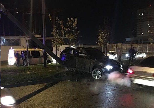 ВКраснодаре кроссовер БМВ X5 насмерть сбил 2-х пешеходов