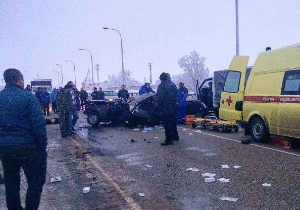 ВКраснодаре после лобового столкновения умер мужчина иего 3-летний сын