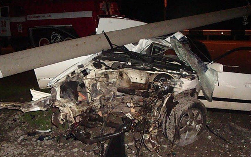 НаКубани в трагедии с«КамАЗом иномарку разорвало начасти»