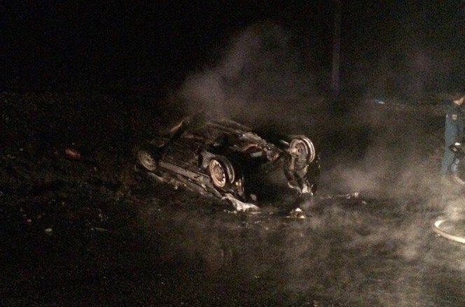 ДТП вАдыгее: «Приора» врезалась вопору ЛЭП изагорелась