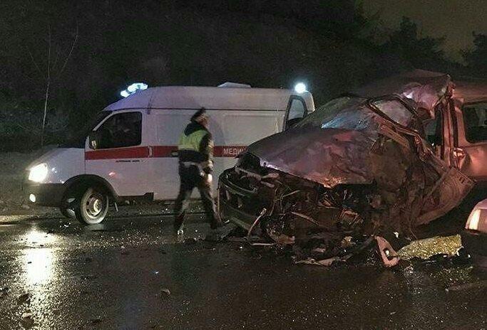ВДТП под Геленджиком умер шофёр микроавтобуса Хендай