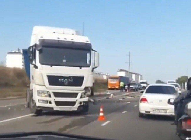 ВКрымске шофёр иномарки умер вДТП с грузовым автомобилем