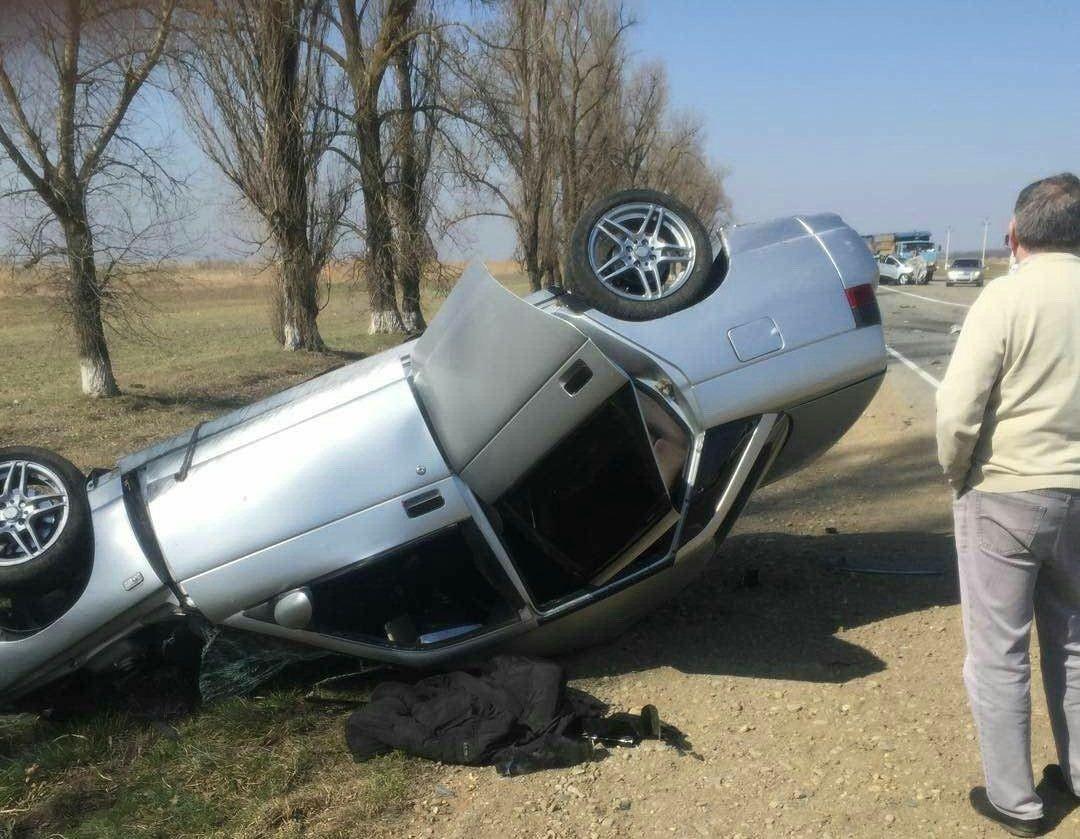 НаКубани влобовом столкновении авто один человек умер идвое пострадали