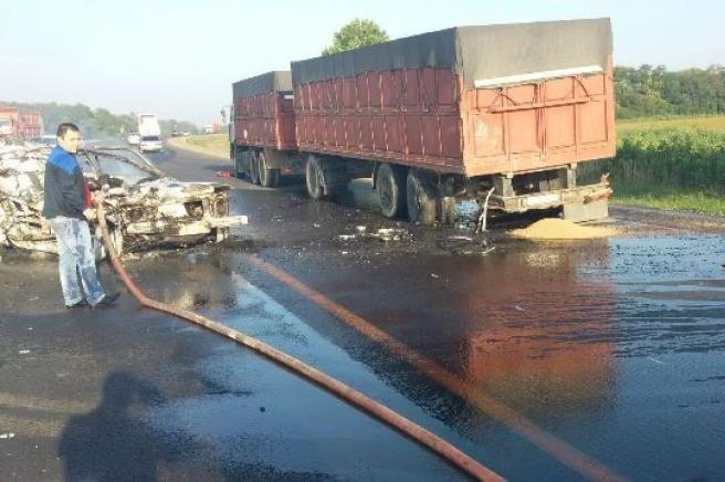 НаКубани умер шофёр загоревшейся вДТП «Нивы»