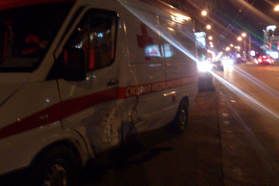 ВКраснодаре иномарка протаранила машину «скорой помощи»