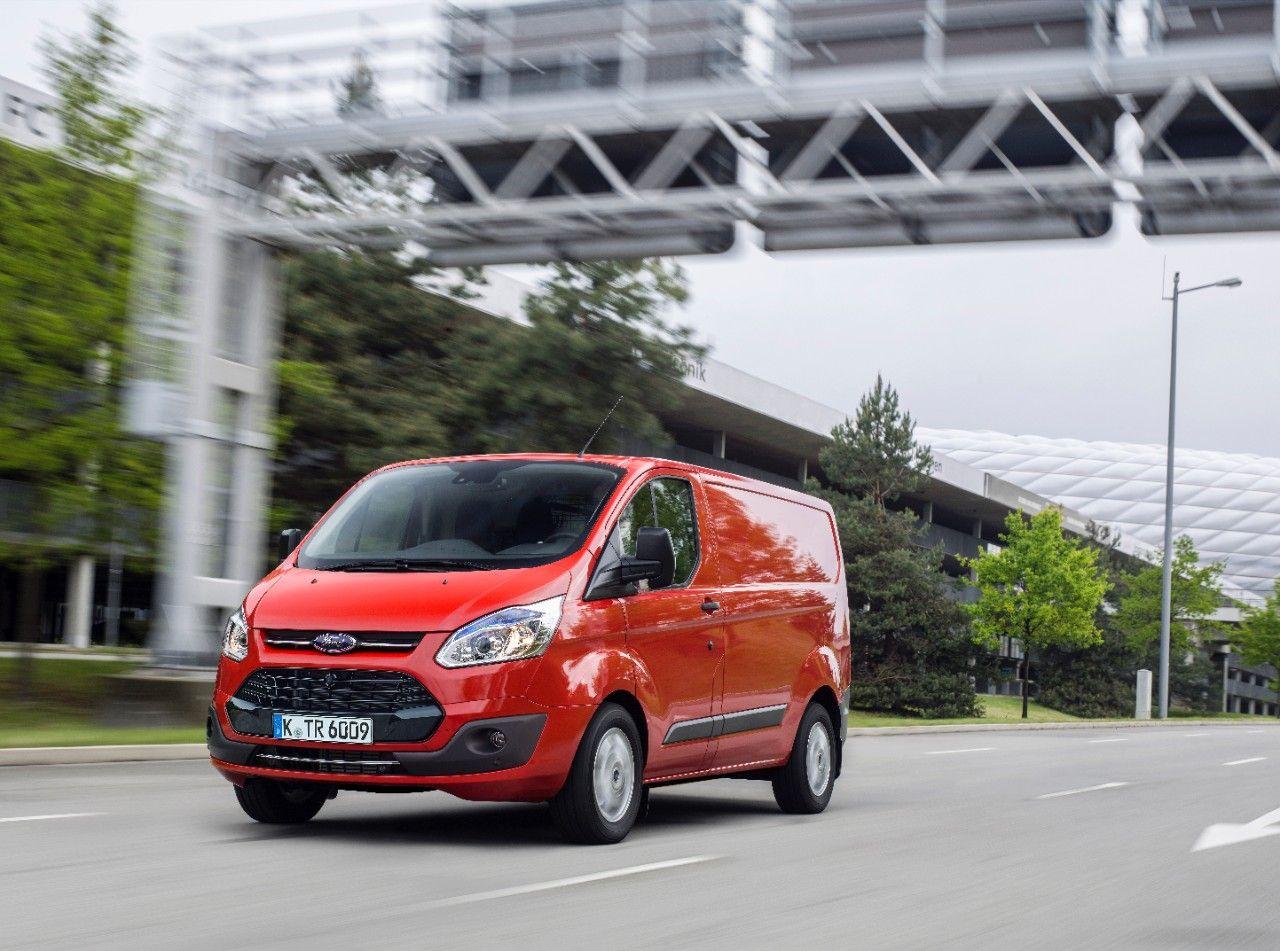 Форд назвал цены наLCV Transit Custom иTourneo Custom