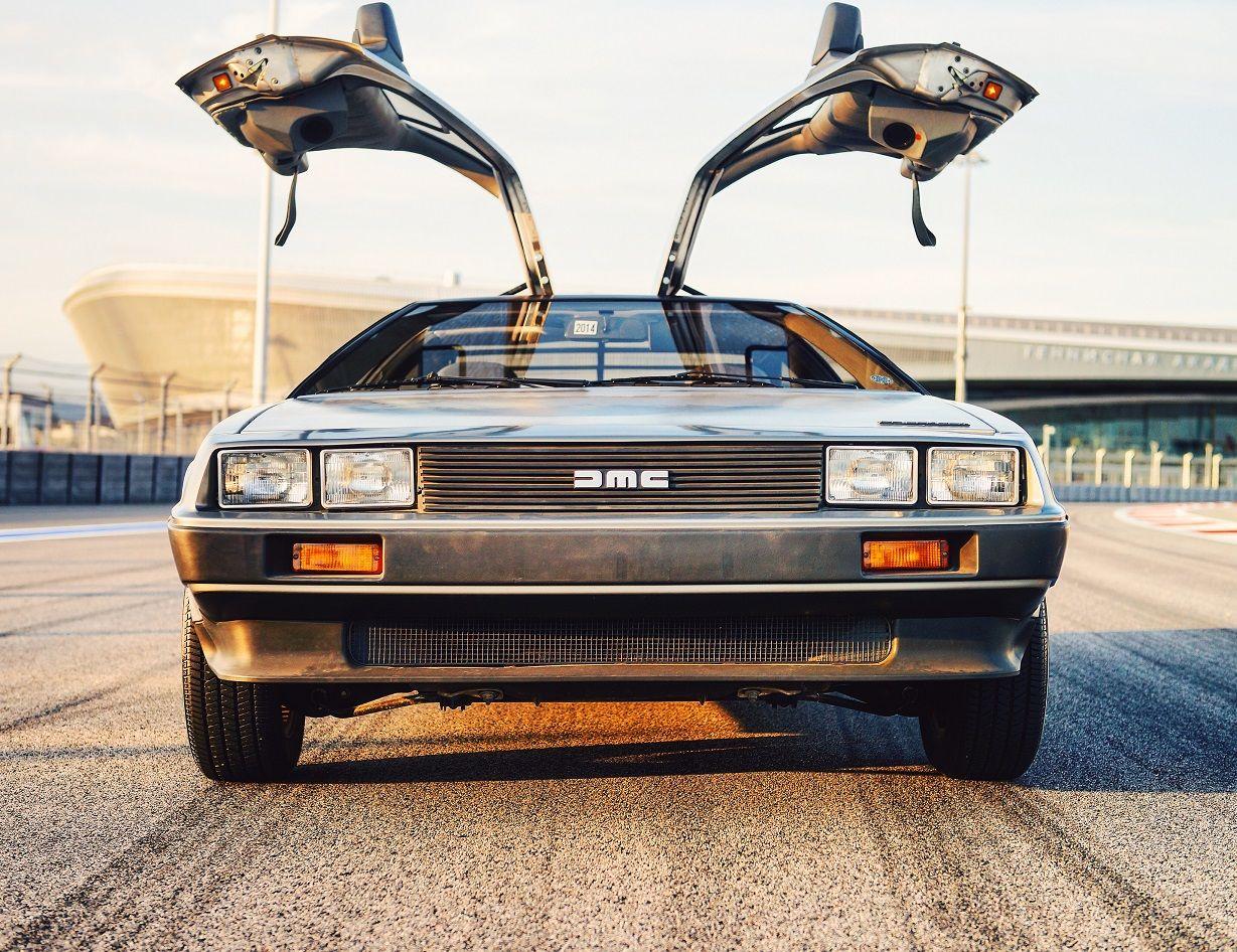 DeLorean DMC-12 — Википедия