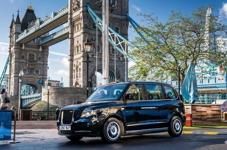 Лондонские таксисты получили новые автомобили— LEVCTX