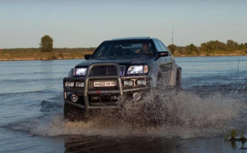 Изобретатель из РФ представил гибрид Мерседес Бенс S500 иГАЗ-66