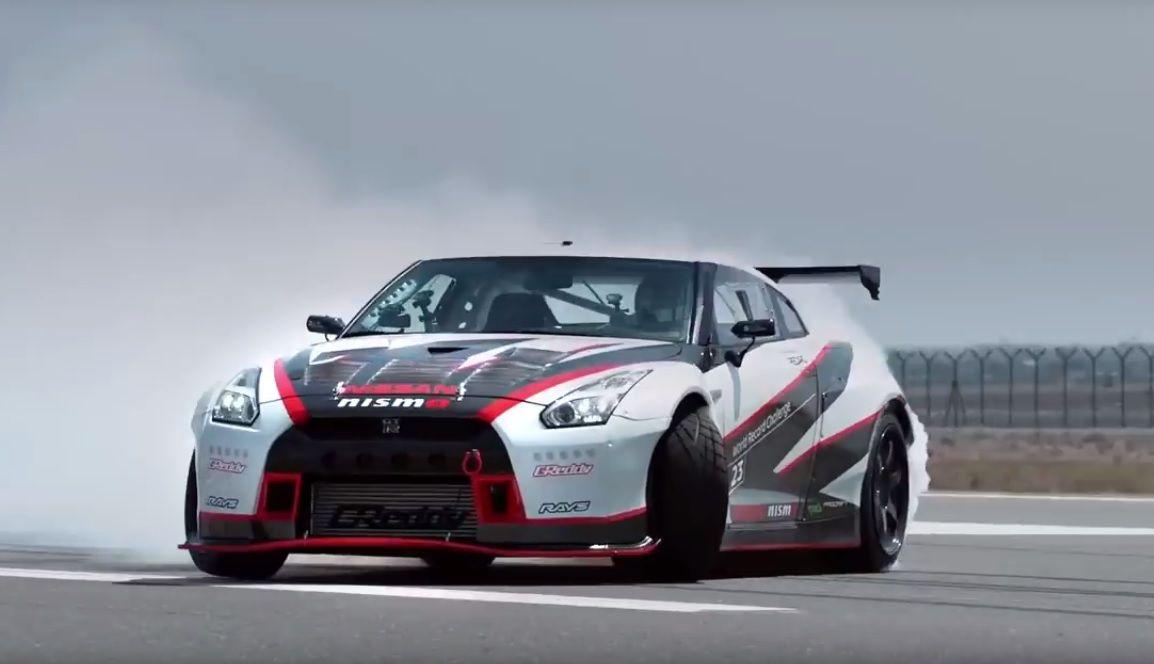 Nissan GT-R увековечил свое «имя» в Книге рекордов Гиннеса