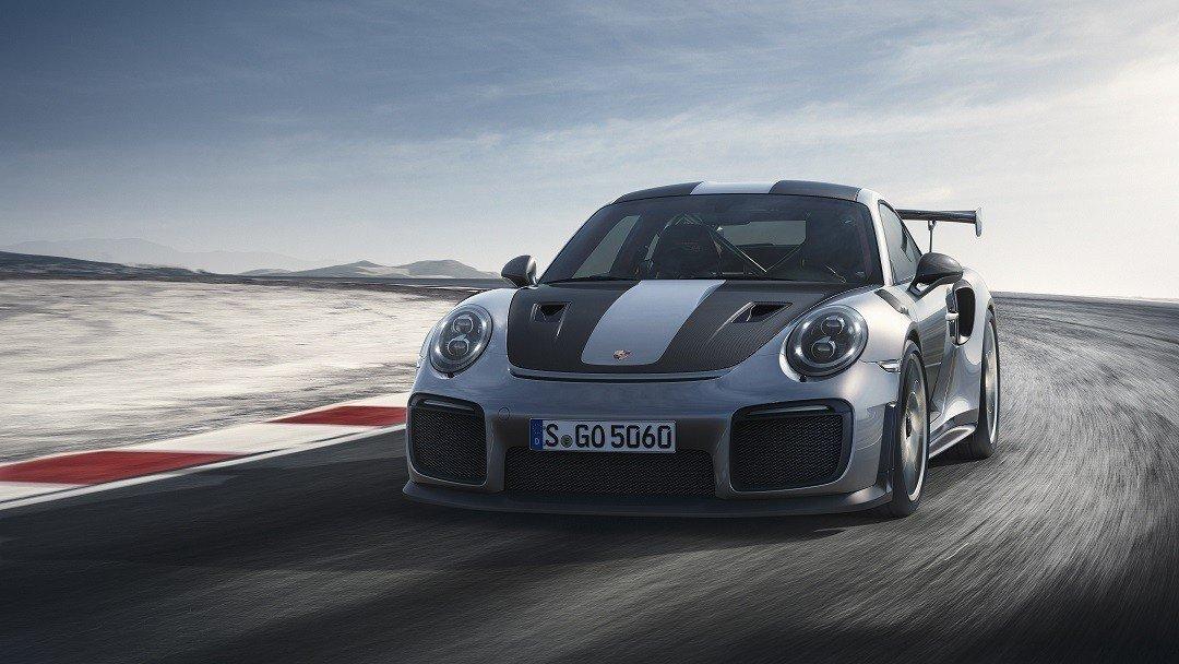 Компания Порше презентовала самый хардкорный 911 GT2 RS