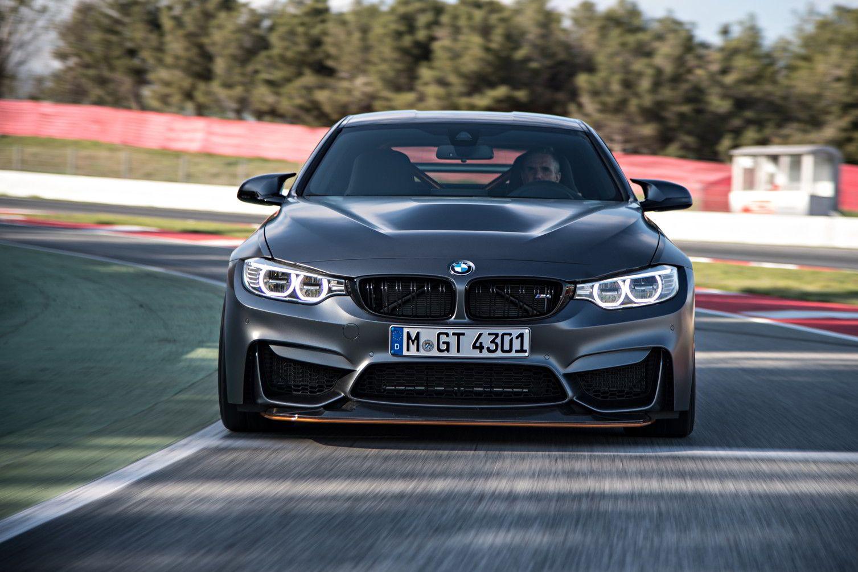 BMW объявила российские цены на свою быстрейшую модель - M4 GTS