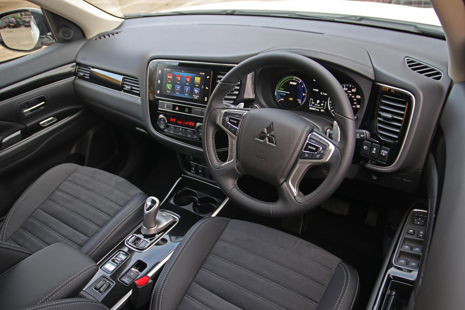 Mitsubishi Outlander получил бюджетную двухместную модификацию Commercial
