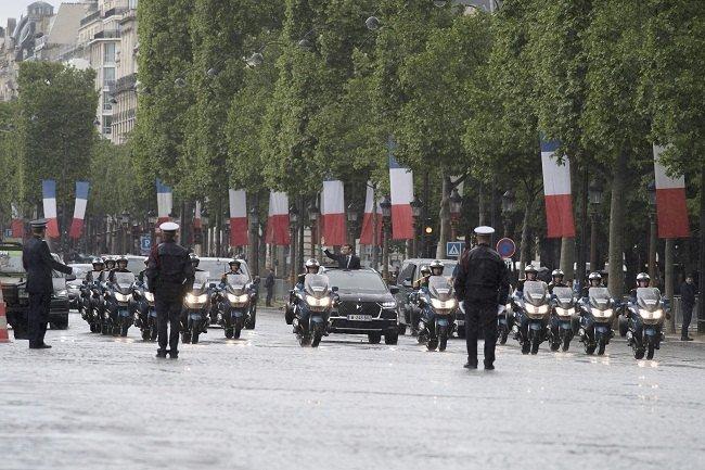 Кроссовер Citroen DS7 Crossback сделали официальным автомобилем президента Франции