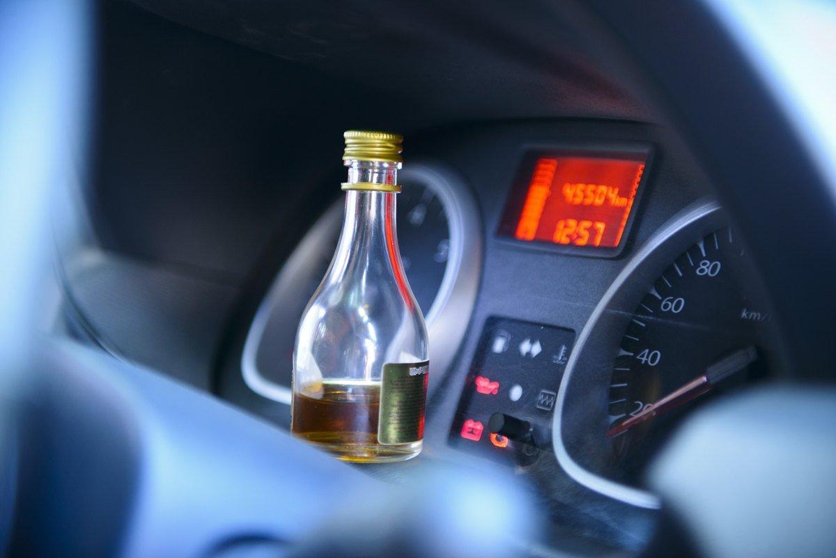 Лишенных прав запьяную езду автомобилистов в Российской Федерации  хотят  лечить оталкоголизма