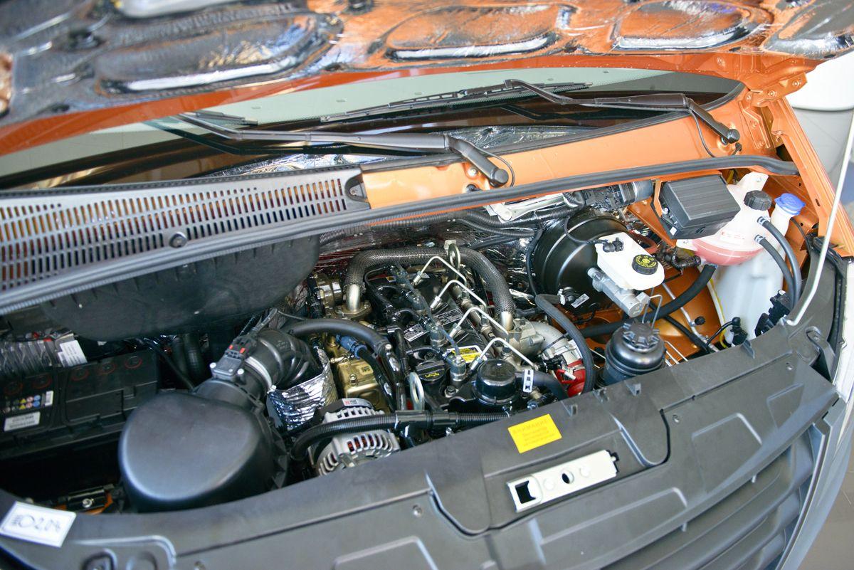 Расход топлива производитель обещает в смешанном режиме 11-12 литров на «сотню» - для дизтоплива, и 14-15 литров – для бензина.