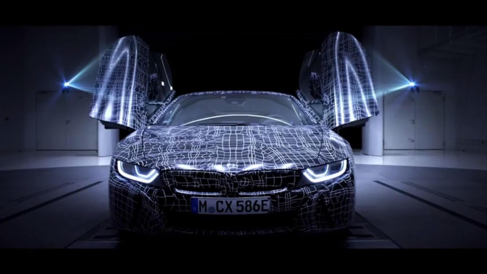 Видео-тизер рассекретил особенности новинки BMW i8 Roadster