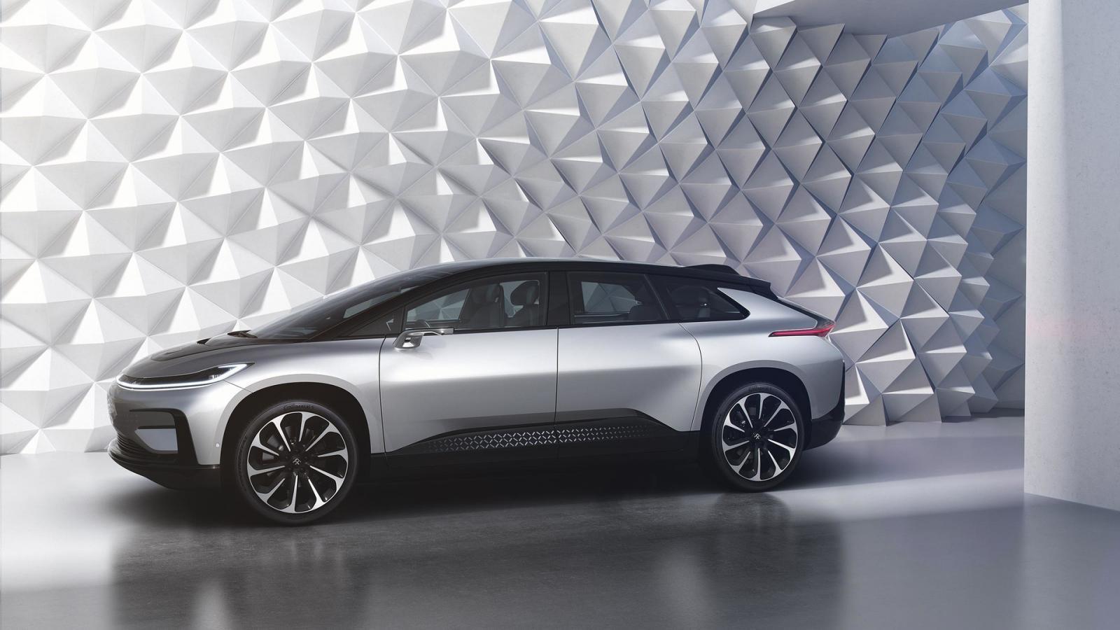 Вражда электрокаров: компания Faraday Future представила основного конкурента Tesla