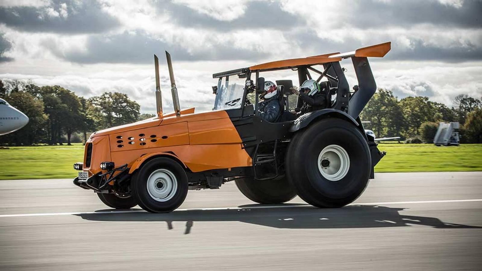 Новый рекорд скорости на507-сильном тракторе установил Стиг изTop Gear