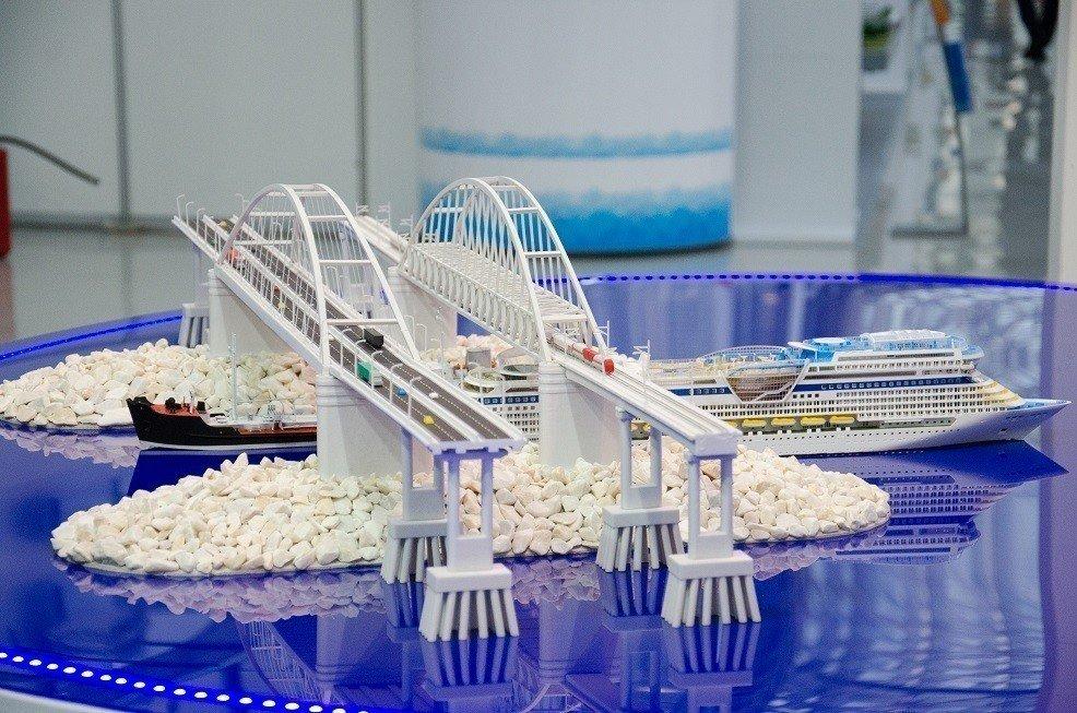 Президентский: юзеры выбирают название моста вКрым