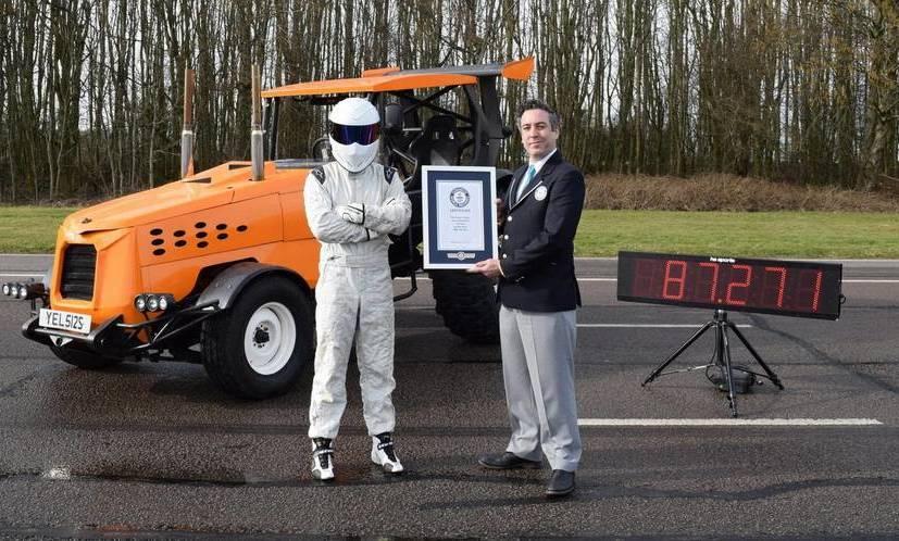 Участник Top Gear разогнал трактор дорекордной скорости