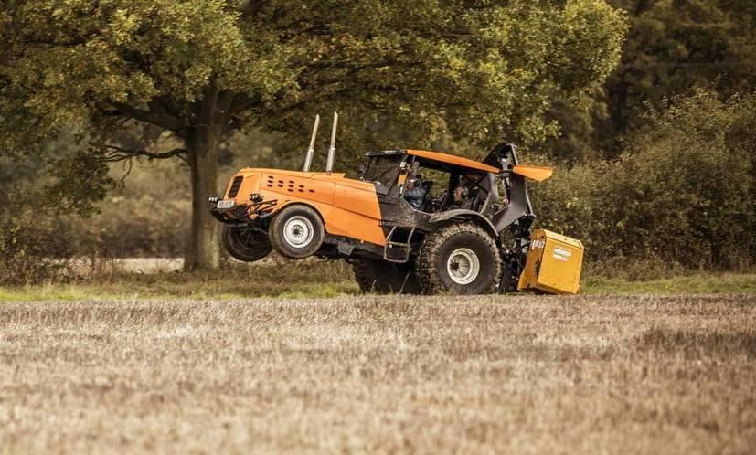 Стиг изTop Gear разогнал трактор дорекордного показателя скорости