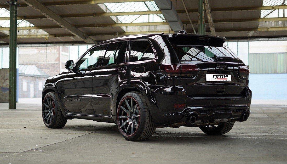Вседорожный автомобиль Jeep Grand Cherokee SRT стал мощнее