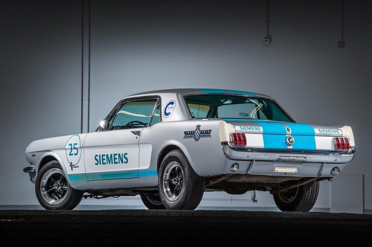 Беспилотный Ford Mustang 1965 года станет участником гонки в Гудвуде